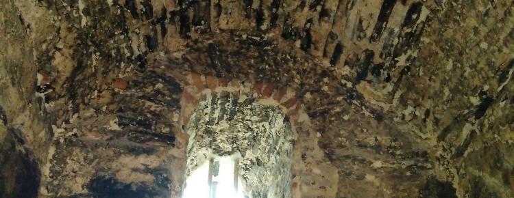 Фрагмент склепіння під час реставрації у приміщенні І-го ярусу