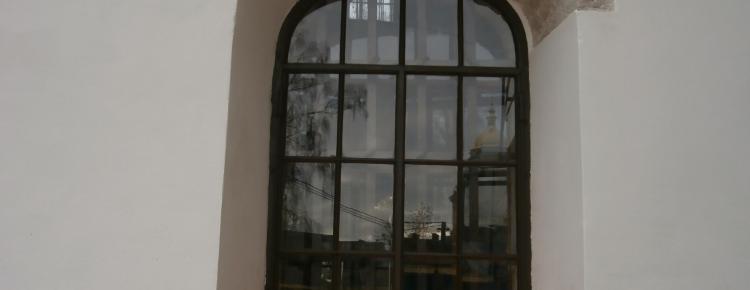 Вікно І-го ярусу північного фасаду після виконання робіт з реставрації